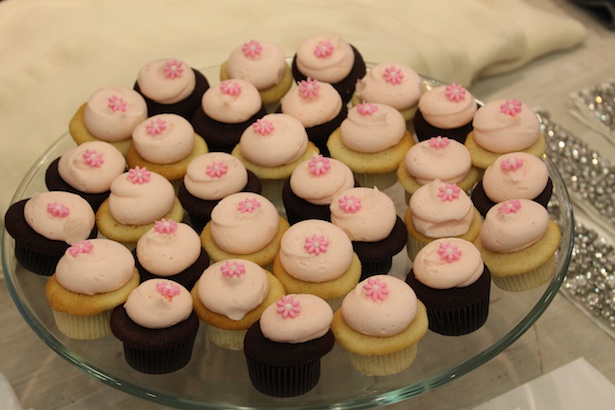 Cupcakes and Cashmere Launch Event in Beverly Hills exclusively for Club Monaco - Yummy Cupcakes