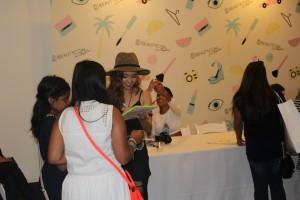 Autographs from Youtube stars at Beautycon Jenn Im ClothesEncounters