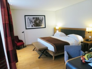 Paris Travel HotelLeSix