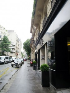 Paris Travel HotelLeSix5